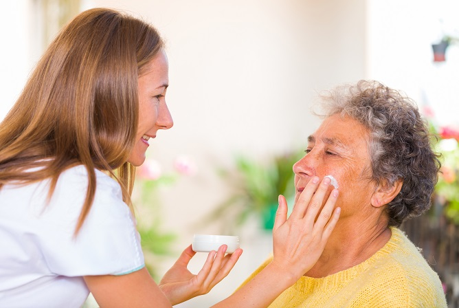 pamper-and-hydrate-the-elderly-skin-care